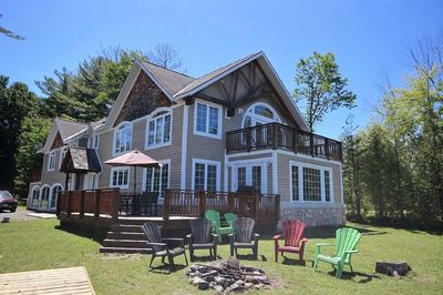 Swell Beautiful Fun And Spacious Cottage On Lake Muskoka Gravenhurst Download Free Architecture Designs Scobabritishbridgeorg