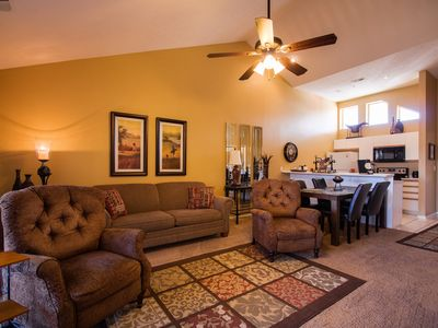Photo for Nature's Mix - 2 bed/ 2 bath condo in the heart of Thousand Hills!