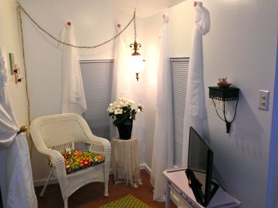 Super Adorable Tiny 2 Person Shabby Chic Cottage Just Two Blocks To The Beach Gulfport Interior Design Ideas Helimdqseriescom