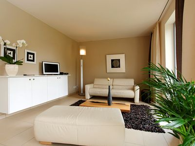 Photo for 80sqm spacious ambience in Loschwitz, garden & terrace, from 66.00 € / N./ free parking