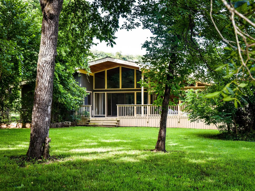 White river fly fishing dream retreat homeaway for White river cabin rentals arkansas