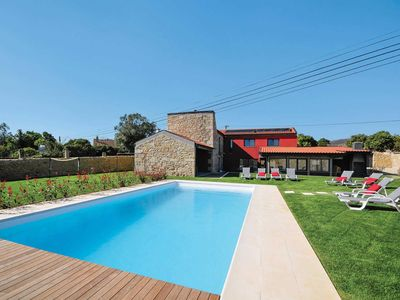 Photo for 4 bedroom Villa, sleeps 8 in Cruzeiro with Pool, Air Con and WiFi