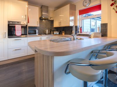 Photo for Our Woodend Accommodation offers a Home from Home to Families or Professionals looking for short ...