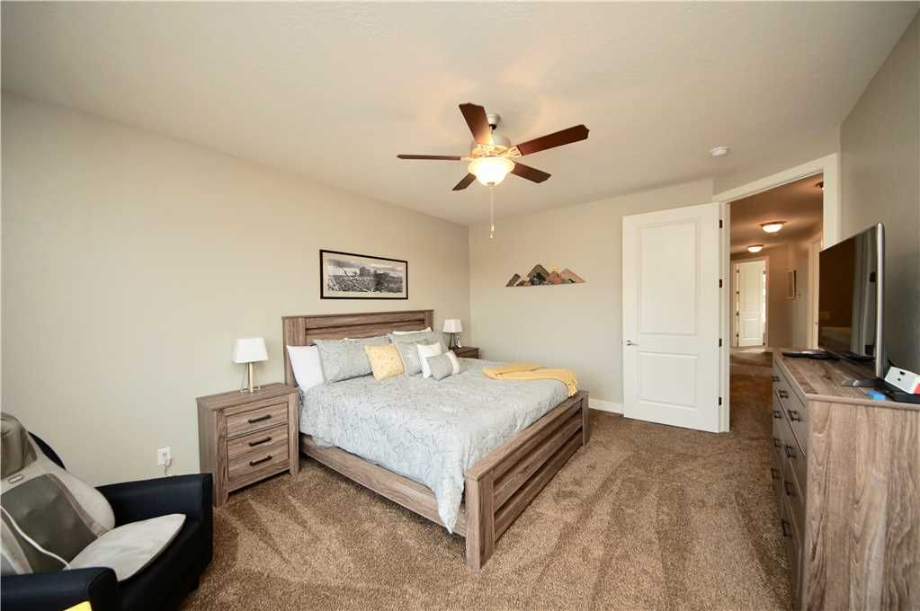 Brand New Luxury Townhome Located In Downtown Moab, Sleeps 14