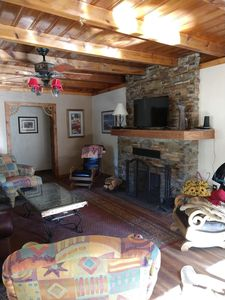 Centrally located Hallelujah Horses Property with colorful New Mexico decor  - Ruidoso