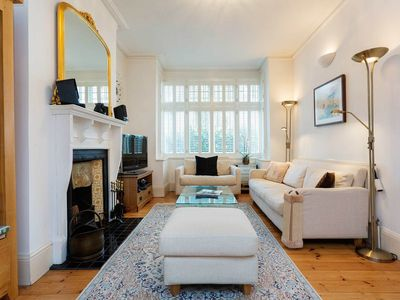 Photo for Three bedroom house in homely Hammersmith, ideal for families (Veeve)