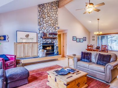 Ping Pong, Wood Fireplace, Two Masters, Hot Tub, Open Floor Plan - TOPF28