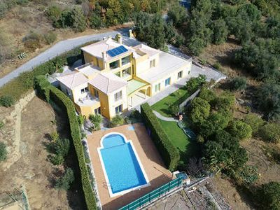 Photo for Newly built villa, short drive to Monchique, bars + cafes, private pool