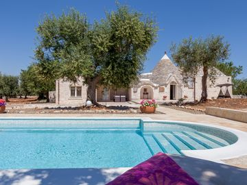 Trullo - private pool - walking distance to Alberobello - drone tour available!