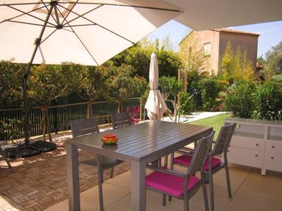 Photo for Apartment for 4 people with garden and pool - Hyères Costebelle