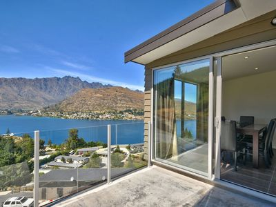 Photo for Hilltop Jewel  - Queenstown, Otago