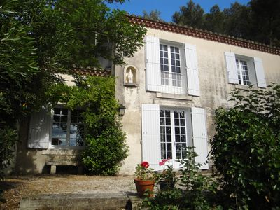 Photo for Provençal villa with swimming pool, between Saint Rémy and Avignon
