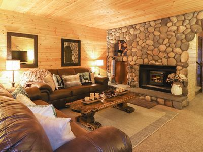 Photo for Summit Rock: Walk to Snow Summit Resort! Outdoor Hot Tub! Retro Arcade Game Table!