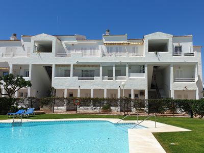Photo for Luxury 3 bedroom apartment  located just a few minutes from the beach.