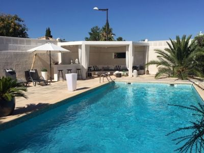 Photo for Charming villa with pool, 10 minutes from Montpellier, 20 minutes from the beaches