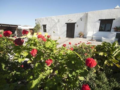Photo for Cottage with private pool in Lanzarote. Different experience.