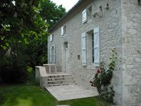 Beautiful Gite. Great for large family and superb location. Very helpful owner. Lovely holiday.