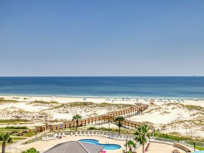 Photo for Gulf-front condo w/balcony, beach access & shared hot tub/pools/gym