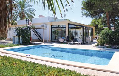 Photo for 4 bedroom accommodation in Crevillente