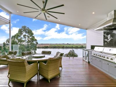 Photo for River Front Property Via Tailem Bend - Sleeps 8!