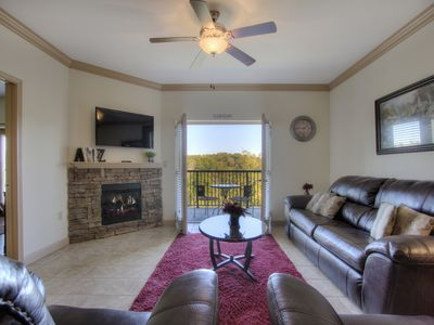 Photo for Billy's Mtn Blessing $79-159 Two King Master Suites. Mtn Views & Parkway Close.