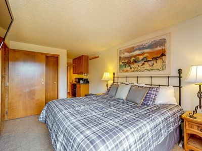 Photo for NEW LISTING! Efficient suite at the base of Copper Mountain near village & more!