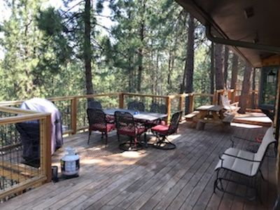 Photo for 8 beds, 1500 sq ft deck, hot tub - 10 min to Town - 1 acre, bbq, A/C