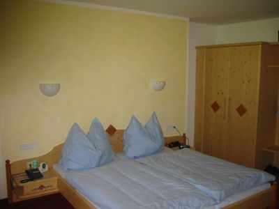 Photo for Triple room with shower or bath Bath, WC - Schranz, Apartment Pension Garni