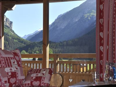 Photo for Comfort and good views to the slopes, central and quiet!