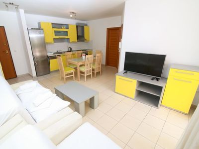 Photo for Apartment Mara A4 in Makarska - 4 persons, 1 bedrooms