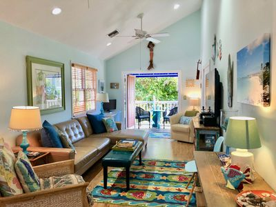A Touch of Paradise 2 bedrm, 2 FULL baths, pool, Great LOCATION!!!read reviews