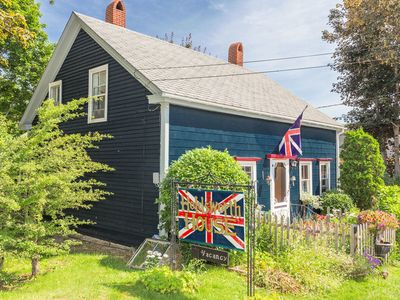 Photo for Holdsworth House (C.1783)Loyalist Home, In The Town Of Digby, Ns