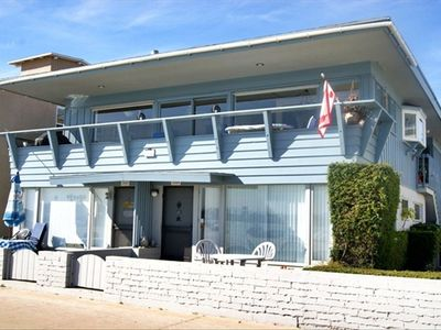 Spacious Bay Front Penthouse - Large 3-Bed/3-Bath, 2100 Sq Ft