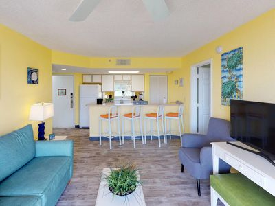 Photo for Bright and sunny condo with patio, shared pool, and hot tub at Sunrise Suites
