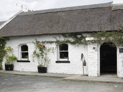 Photo for Thatched Cottage Full of Art & Atmosphere