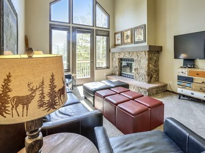Photo for 800 ft to lift/ski run, 2 blks to MainSt, heated pool and hot tub complex!