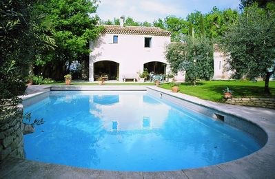 Photo for Charming farmhouse with heated pool in the heart of the Luberon