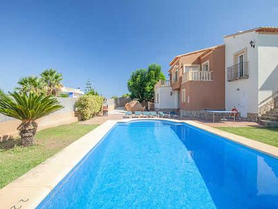 Photo for 3 bedroom Villa with Wi-Fi, a short drive from amenities, golf & the beach