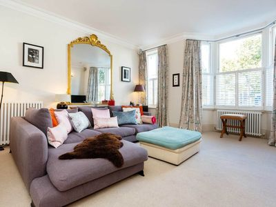 Photo for A relaxing & spacious 3 bed family home steps from King's Road, Chelsea (veeve)