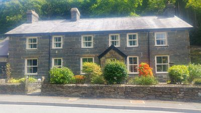 Photo for Glyn Awel, Traditional welsh cottage in Snowdonia