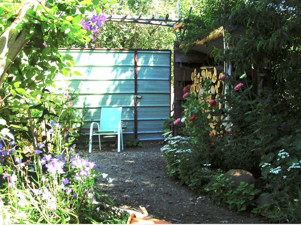 Painted Hills Vacation The Hollyhock Guest House A peaceful ...