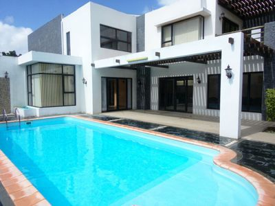 Photo for Luxury spacious villa Calodyne for 6 p with a pool 2 mn from the Ocean