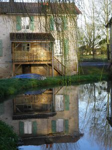 Photo for Lodging next to another house, overlooking a pond in the Vendée