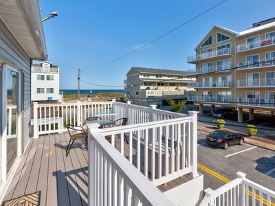 Photo for NEW LISTING! Welcoming oceanblock, midtown condo near everything