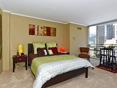 Photo for Stylish studio, kitchen, city/mtn views, close to everything!  Sleeps 2.