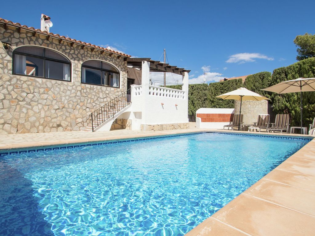 Villa With Wifi Lit Swimming Pool And Homeaway Calpe