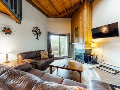 Photo for Lofted mountain condo w/ balcony, fireplace & shared hot tub/pool/game room!