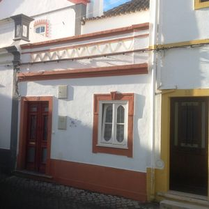 Cottage Sleeps 2-4 with Private roof terrace
