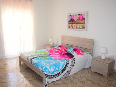 Photo for Central Holiday Apartment with Wi-Fi in Historic City: Parking available