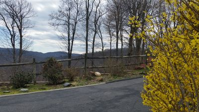 Photo for A mountain sanctuary close to town with a beautiful view.